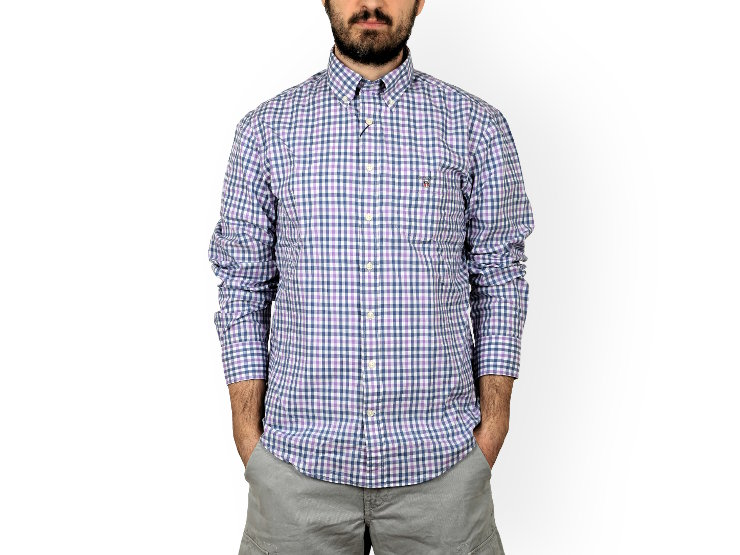 Camicia slim fit, manica lunga, button-down Gant in popeline di cotone, fantasia a quadretti in tre colori. I polsini e l'orlo sono arrotondati. Con logo e stemma Gant ricamati sul taschino