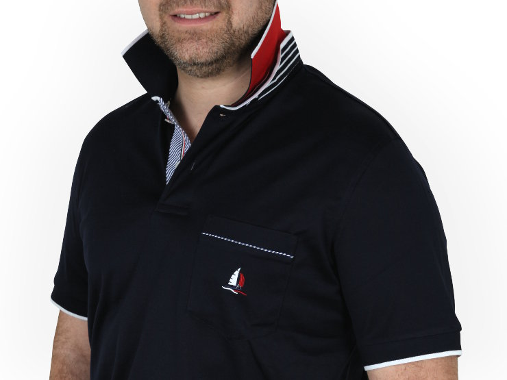 Polo manica corta, due bottoni Marbas, Beach team collection, in filo di Scozia, collo con piedino, vela bicolore, inserti in tessuto in contrasto e logo ricamato sul taschino